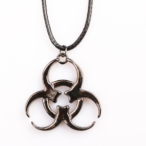 Resident Evil Biohazard Colar do símbolo Biological Hazard pendente corda de couro Cadeia Filme Biohazard Jewelryps0500
