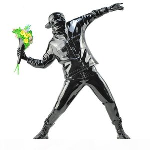 Banksy Flower Bomber Resin Figurine England Street Art Throwing Flower Sculpture Statue Bomber Polystone Figure