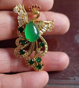 Consegna gratuita di Chalcedony Pendant Peacock