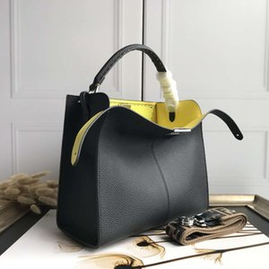 09211 Classic Female Handbags vintage bag Sheepskin Genuine Leather rivet Purse Women Famous Chain Mini City bags