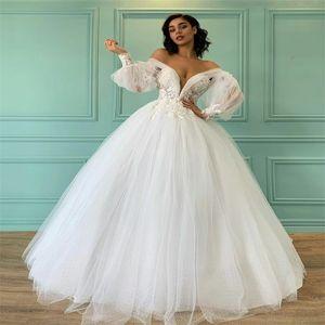 Hot Sale Beach A Line Wedding Dresses Off Shoulder Appliqued Lace Dot Bridal Gowns Gorgeous Noble Backless Robes De Mariée Cheap