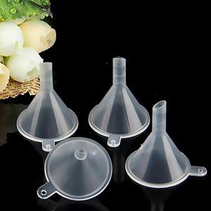 Mini Funnel Plastic Small Diffuser Liquid Perfume Bottle Oil Labs for Chemical Liquid Essential Oils Blends OWF2272