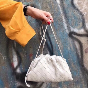 The Pouch Leather Woven Envelope Bag Knitting Luxury Women Bags Design Voluminous Rounded Shape Purses and Handbags Clutch Q1106
