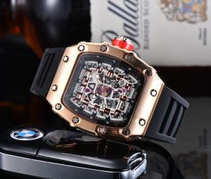 2020 Nouvelles montres pour hommes Montre Homme Silicone Quartz Montre Man Fashion Sports imperméables Sports Luxury Hommes Montres Reloj Hombre Hommes