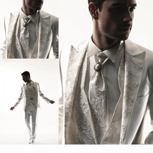 2017 Western Style Men Tuxedos Business Suit Brand Boss Dress Suit For Men's Wedding Formal Business Boys Suits Groom White Tuxedos Tai