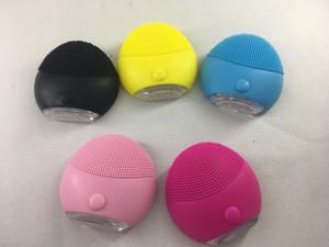 mini-nettoyant mini-instrument à ultrasons beauté électrique silicone nettoyant imperméable pores propres trois couleurs outils de nettoyage de livraison gratuit