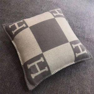 New Smelov fashion vintage fleece pillowcase letter H  european pillow cover covers wool throw  pillowcases 45x45cm 65x65cm