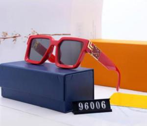 Brand di alta qualità 8803 occhiali da sole da uomo a prova di moda da uomo Designer progettista occhiali da sole progettati per uomini e donne nuovi occhiali
