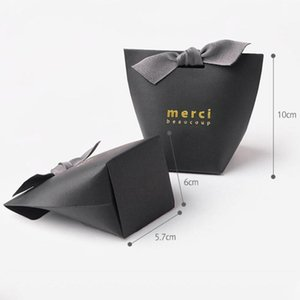 50pcs lot MERCI BEAUCOUP White Black Color Gift Paper Cake Wedding Favor Boxes Candy Box With Ribbon DHD2551