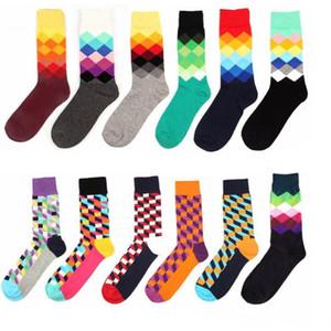 De haute qualité Bonne style britannique Plaid Socks Mode dégradé Couleur Homme Personnalité chaussettes de coton 24pcs = 12pairs HHA2184