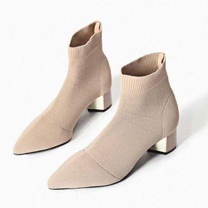 LZJ Herbst-Winter-New gestrickte Socken Elastische feste Medium Stöckel Short Women Punkt Toe Stiefeletten S1062