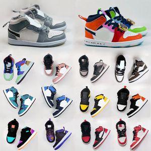 Les enfants de basket-ball air jordan 1 I enfant en bas âge DESIGNER Sneaker Green Pine Royal Game Travis Scotts Ombre Chicago Bred bonbons Mid multi-couleurs 2020 Chaussures