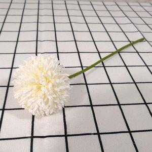 Guirnaldas de flores decorativas 6 unids Pétalos de seda artificiales y hidange de plástico realista de tallo para la decoración de la fiesta de bodas (blanco) 1
