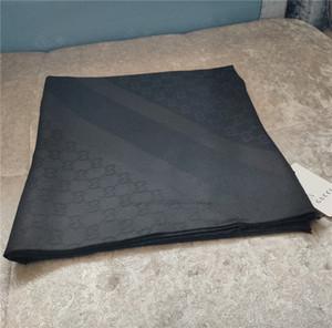 2020 New Schal für Frauen Luxus-Letter-Muster Seide Wolle Designer Thick Schals Warme Schals Größe 140x140cm No Box
