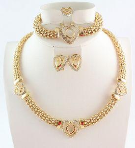 Venda quente Coração Design Traje Colares Braceletes Brincos Anéis Conjunto de Moda Top Qualidade Africano Banhado Ouro Mulheres Bridal Jóias Conjuntos