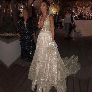Smileven линия платья Sparkly Белого Sequined Backless Boho Блеск невеста венчание мантии Robe De Soiree Q1113