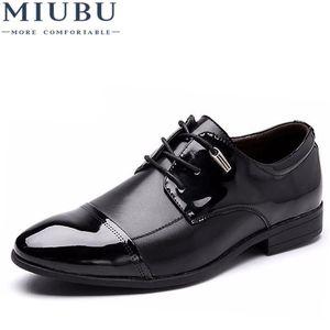 MIUBU Spring Autumn Men Leather Dress Shoes Fashion British Casual Man Flat Wedding Shoe Business Large Size Hot Sales