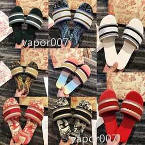 2021 Mode Dway Folien Frauen Slipper Amaranth Gestickte Baumwolle Strand Sandalen Sommer Damen Outdoor Shoes Luxurys Slides Sandalen 35 V0ft #