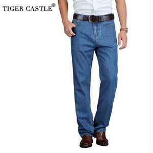 TIGER CASTLE 100% Baumwolle Sommer-Männer Classic Blue Jeans gerade lange Denim-Hosen mittlere Alter Männlich Qualität Leichte Jeans 201111