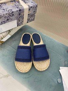2019 Paris temperamento bastante bien las sandalias del verano de la playa de diapositivas Zapatillas Damas fracasos de tirón de los holgazanes cuero de la impresión del color sólido de 35-41 con la caja