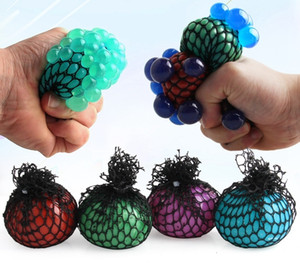 Malla Squishy Ball Super 6cm Ventilación de goma Vent de uva Bola de estrés Spreeezing Ballo de alivio para niños para niños DDA425