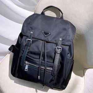 Mochila de moda para hombre Black Back Pack Fannypack Drawstring Nylon Bagspack de alta capacidad letra P Retro Tendencia Envío gratis