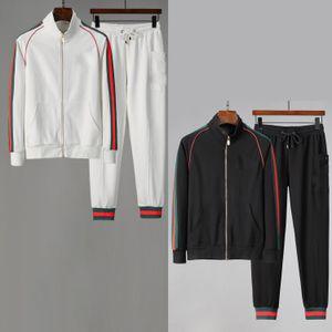 2020 New Designer Mens Trainingsanzüge Sommer T-Shirt Hose Sportswear Mode Sets Kurzarm Laufen Jogging Hohe Qualität Plus Größe Y011