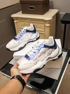 2021 Dernières chaussures pour hommes Nouvelles Sneakers de mode Luxe Hommes Sports Sports Chaussures Homme Marque Entraîneurs en plein air Tennis Loisirs Chaussures de sport