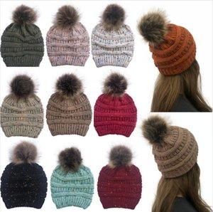 Nouveau Bonneterie Prêle Chapeau 10 couleurs d'hiver femme Pompom Bonnet chauffent tricotée épais Outdoor Skulllies Chapeaux DDA618