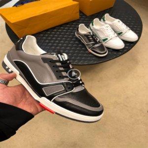 T1Z9n роскошь дизайнер 630 2019 Новый Открытый спорт спортивные тапки Мужчины Шнуровка Low Top Luxury моды обувь осень Открытый спорт Комфортное S
