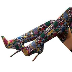 Wenyujh 2020 Tahıl Serpantin Uzun Çizmeler Kadınlar Yüksek Topuk Boot Sivri Burun Seksi Kulübü Ayakkabı Uyluk Yüksek Üstü Çizmeler1