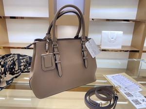 20FW 새로운 핸드백 고품질 디자이너 레이디 내장 된 구획 어깨 가방 Lychee 패턴 어깨 가방과 유행 WF2012013