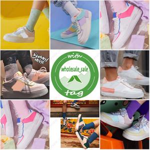 Nike Air Force 1 Pas cher mousse runner kanye west saboterie sandale triple femmes pantoufle mode blanc noir hommes Tainers sandales de plage design slip-on chaussures