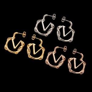 Новое поступление Размер Серьги из нержавеющей стали Серьги из нержавеющей стали Классический дизайн Уникальный кулон Hoop Позолоченные ушные шпильки для женщин Партии подарки оптом