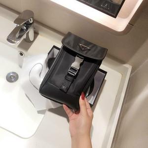 رجل أسود crossbody أكياس الهاتف للجنسين الأزياء نمط واحد الكتف أكياس الهواتف الذكية الحجم مصغرة size hsp مع خطابات مثلث التسوق الفضة مشبك pd20092316