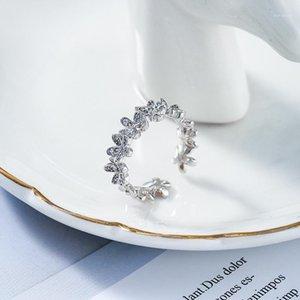 2020 Novo Ajustável Contratado Flores De Metal Doce Anéis Sênior Sênior Mulher Temperamento Elegante Cristal Trendy Partido Rings1