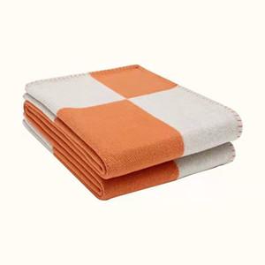 Cobertor cor-de-rosa Europeu crochet marca macio marca xadrez h jogar cashmere sofá quente villa casa decor acessórios cama lã de malha 201112
