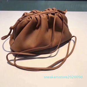 2020 New Hot Sales Top Quality Fashion Handbag The Pouch Soft Calfskin Ladies Small Clutch Bag cross-body women Cloud Bag s09