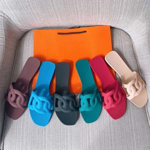 2021 Printemps nouvelles pantoufles de dames PVC tissu mat matte anti-slip chaussures de plage mode de la mode solide couleur sandales et pantoufles HM60