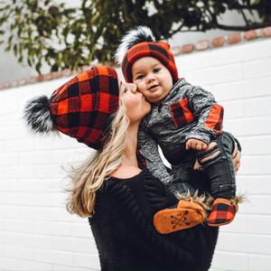 Plaid Eltern-Kind-Baby-Mützen Moms Winter-Strickmützen Warm Crochet Schädel Caps Outdoor-Pom Pom-Hüte GGA3774