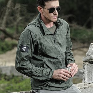 New Outdoor Tactical Sunscreen Clothes Jackets Thin Summer Waterproof Quick Dry Men Hooded Windbreaker Army Military Jacket 201013