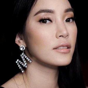 Yüksek Kalite Kristal Rhinestone Harfler A M Damla Dangle Küpe İçin Kadınlar Moda Aksesuar Sıcak Satış Marka göster Küpe