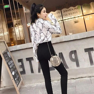 SS20 Black and white double-color long-sleeved blouse, fashion casual slim high-end blouse, letterfull print design, free delivery