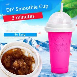 Coupe de smoothie de bricolage facile avec paille Magic Pinch Smoothie Maker Camp de voyage Portable Silicone Smoothie Coupe Sand Sand Crème glacée Slush Maker BWD2651