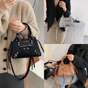 SWAYG Çanta Yüksek Kaliteli Klasik Kahverengi Tasarımcı Crossbody Çanta Kadın Ekose Timsah Cilt Dener Çanta Çanta Luxurys Tasarımcılar