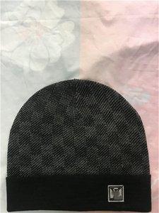 New Frankreich Mode Herren Designer Hüte Mütze Wintermütze gestrickt Wollmütze und Samtkappe skullies Dickere Maske Fringe Beanies Hüte manTT