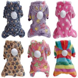 Pet espessado pelúcia de inverno quente roupa coral tecido de pelúcia coral lã um conjunto com chapéu pijama de cachorro quente
