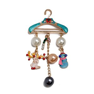 Christmas Hanger Elk Snowman Cane Rhinestone Creative Pearl Brooch Breastpin Jewelry for Decoration Party Xmas Party Decor