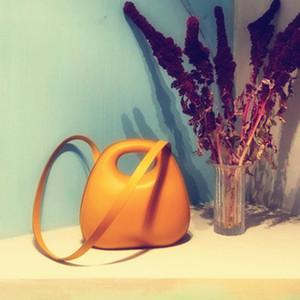 Fashionable shell type bright colored lady handbag, 2020 super hot egg bag round bag lady shoulder free mail