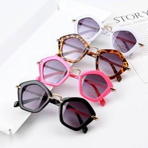 2021 Nouveau Cadeau polygonal Metal Enfants Personnalité Sunglasses de mode pour enfants KS037